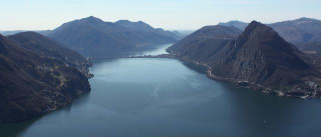 Luganer See mit dem Salvador (heute Monte San Salvator), der Spitzberg rechts
