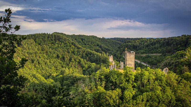 Obernburg bei Manderscheid in der Eifel
